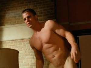Arrow-Stephen-Amell-Il-sesso-sul-set-Serve-sintonia-e-un-calzino-300x225